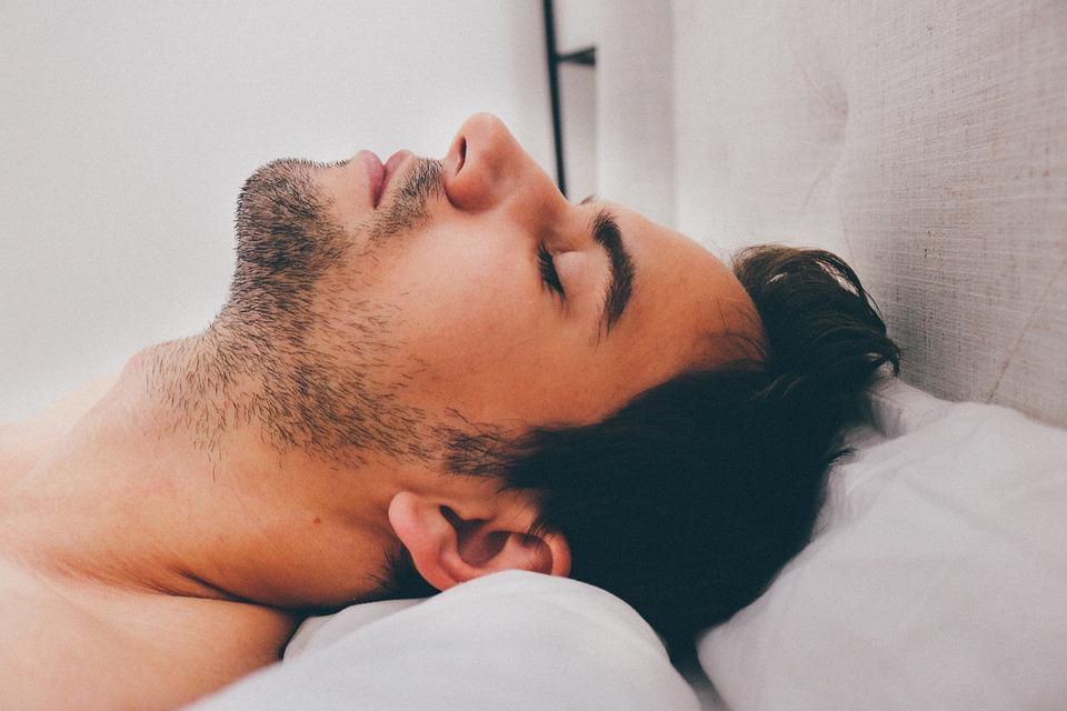 comment rendre un homme fou au lit