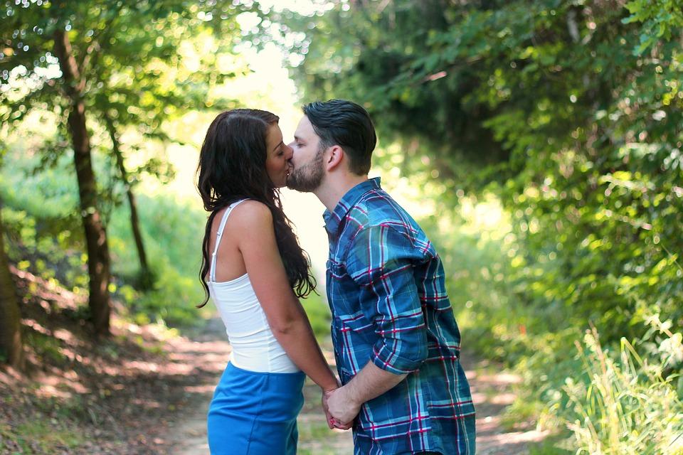 comment bien embrasser un mec la premiere fois